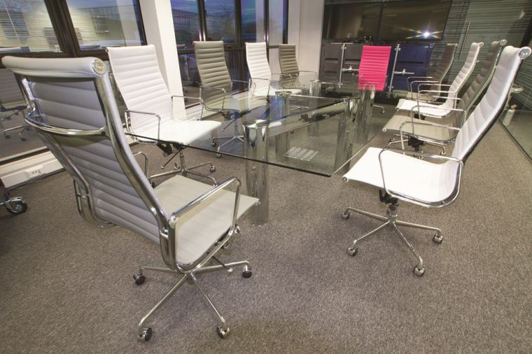 10_seater_chrome_glass_boardroom_table